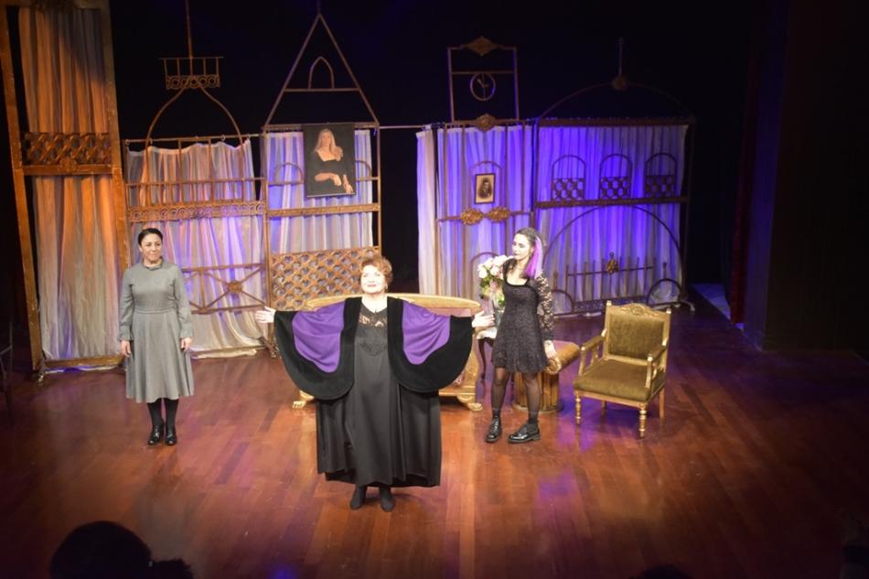 'Aşk Kalıcıdır'a Tiyatro Sevenlerden Büyük İlgi