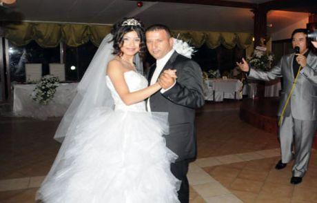 Ünlülerin Menajerine Düğün Show