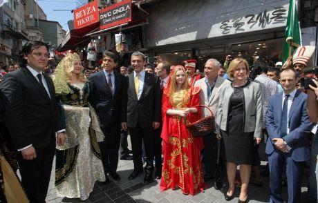 'tarihi Alışveriş' Mahmutpaşa'da Canlandı