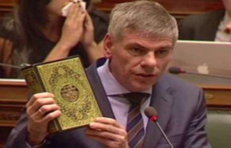 Belçika Parlamentosunda Kur'an-ı Kerim'e Hakaret