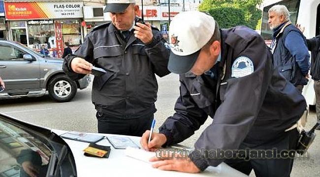 Adana'da Sürücülere, 'Gereksiz Korna Çalma' Cezası