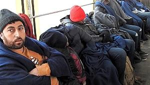 Çeşme'de 51 Kaçak Yakalandı
