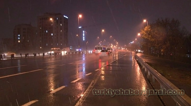 İstanbul'a İlk Kar İndi!