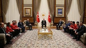 Erdoğan, Millî Sporcuları Kabul Etti