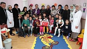 Kırgız Eğitmenler Çocuk Bakım Evi'ni Ziyaret Etti