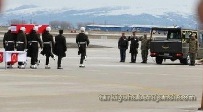 Erzurumlu Şehit Teğmenin Naaşı Memleketine Getirildi
