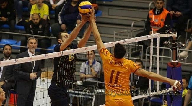 Galatasaray HDI Sigorta Fenerbahçe'yi Devirdi
