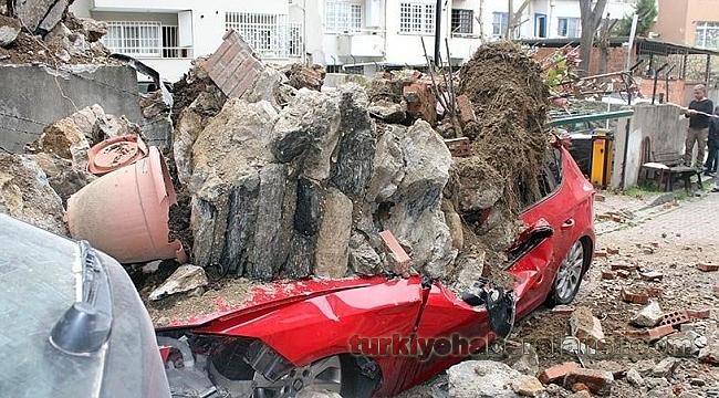 İstinat Duvarı Çöktü; 2 Katlı Bina Boşaltıldı