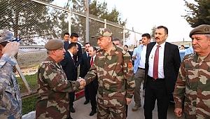 Erdoğan Askeri Kamuflajla Sınır Karakolunda