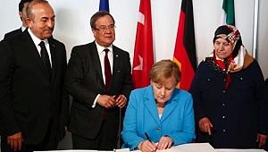 Almanya Solingen'e Ağlıyor… Çavuşoğlu da Anmaya Katıldı