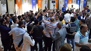 Diyarbakır AK Parti Aday Tanıtım Toplantısında Arbede