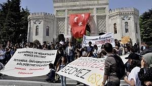 İstanbul Üniversitesi'nde Bölünme Protestosu