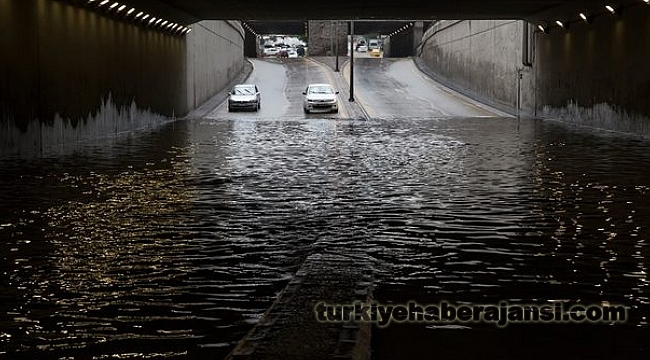 Meteoroloji Uyardı, Ankara Yine Sel Altında Kaldı