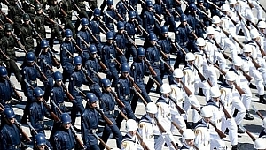 Komutanlıklara ve Emniyet Müdürlüklerine Operasyon!