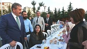 Mustafa Destici: Biz Milletimizle Beraberiz
