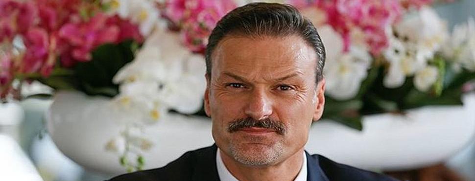 AK Parti İzmir Milletvekili Alpay Özalan'a Şok!
