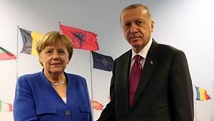 Cumhurbaşkanı Erdoğan, Almanya Başbakanı Merkel'i Kabul Etti