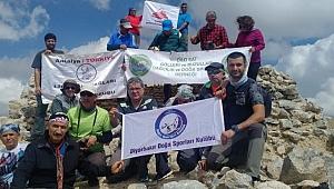 22 Dağcı Mereto DağınaTırmandı