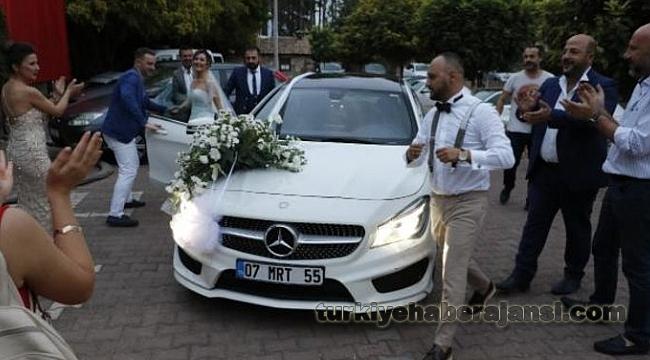 Antalya'da Düğüne Haciz Memuru Şoku...