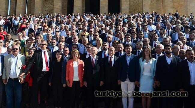 Kılıçdaroğlu, Anıtkabir'i Ziyaret Etti!