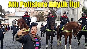 Atlı Polislere Büyük İlgi