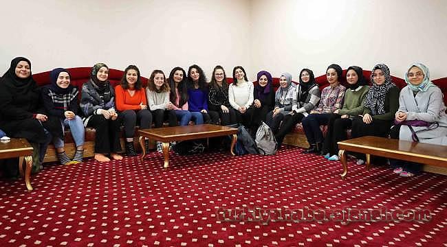 Bağcılar'da İstanbul Hanımefendileri Yetişiyor