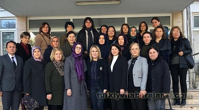 AK Kadınlar'dan Kanser Günü Etkinliği