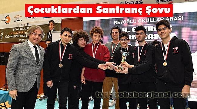 Beyoğlu'nda Satranç Turnuvası