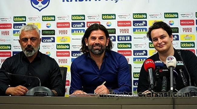 İbrahim Üzülmez ile 1 yıllık sözleşme imzaladı