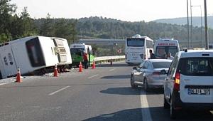İstanbul'da Otomobil İle Yolcu Otobüsü Çarpıştı!
