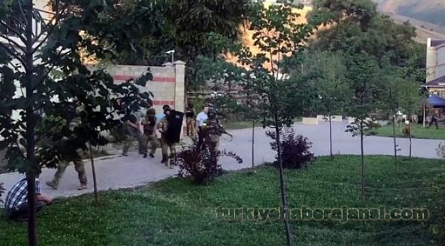 Atambayev'in Evine Operasyon!
