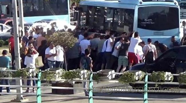Yaşlı Kadın İndiği Otobüsün Altında Kaldı!