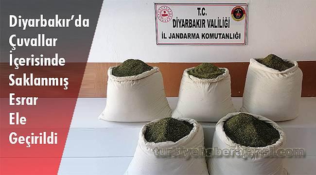 Diyarbakır'da Çuvallar İçerisinde Saklanmış Esrar Ele Geçirildi