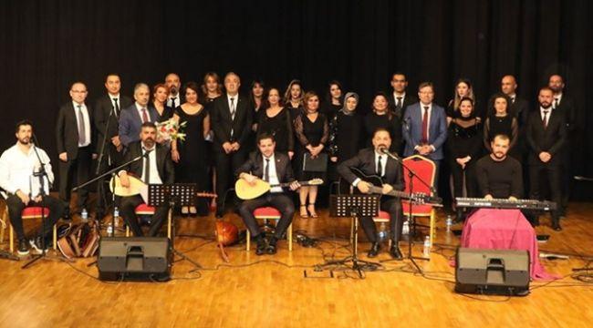 Sancaktepe'de Müzik Öğretmenleri Korosu konser verdi