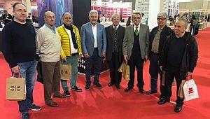 Kitap Fuarında Osman Öztürk'ü Meslektaşları Yalnız Bırakmadı