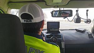 Hız ihlalinden 4 günde 32 bin sürücüye CEZA kesildi