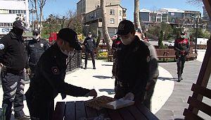 Kavga ihbarına giden polis ekibine BAKLAVA İKRAMI