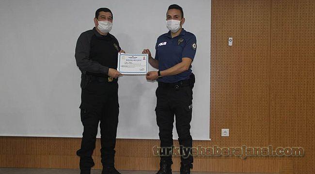 Yılın başarılı polisleri ödüllendirildi