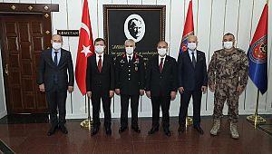 Jandarma Komutanı Çetin'e TEBRİK Ziyareti