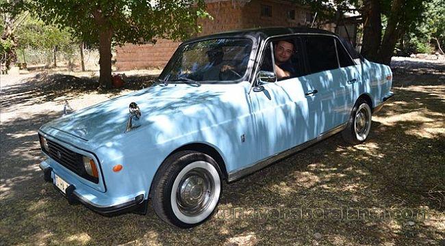 1978 model Anadol otomobiline gözü gibi bakıyor..!