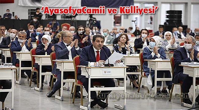 """İBB Meclisi'nden Oy Birliğiyle """"Ayasofya Camii ve Külliyesi"""" Kararı"""