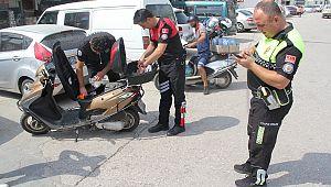 Yeni aldığı motosikletiyle ters yöne girince ceza kesildi