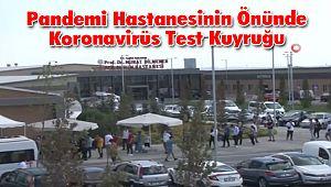 İstanbul'da Pandemi Hastanesinin Önünde Koronavirüs Test Kuyruğu