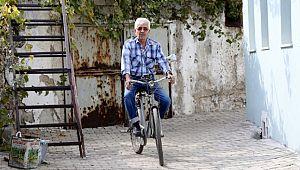 72 Yaşındaki Bisiklet tutkunu :