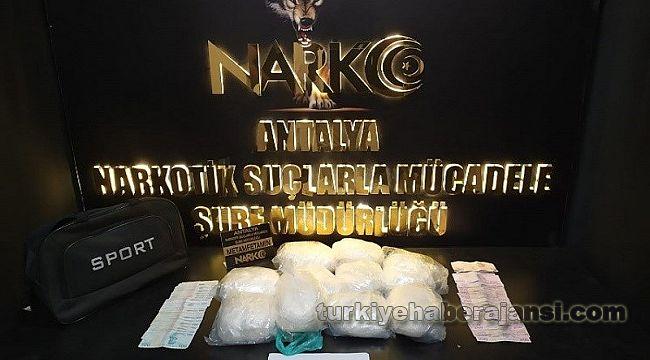 Antalya'da 331 uyuşturucu operasyonunda 379 şüpheli yakalandı