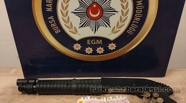 Bursa'da Narkotik Operasyonlarında 8 Şahıs Yakalandı