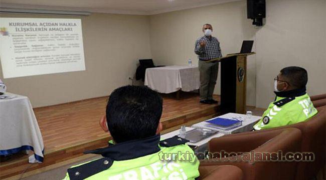 Trafik Polislerine Halkla İlişkiler Eğitimi