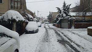 İstanbul'da Beklenen Kar Yağışı Geldi