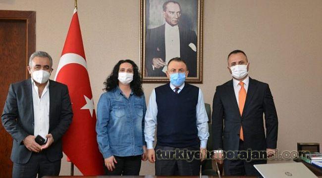 Türkiye Değişim Partisi Çekmeköy teşkilatı, Kaymakam Adem Arslan'ı makamında ziyaret etti