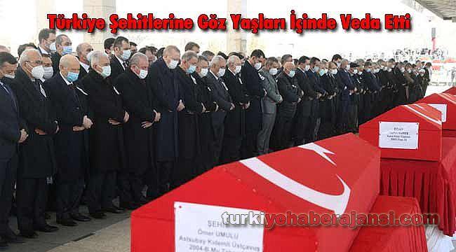 Türkiye Şehitlerine Göz Yaşları İçinde Veda Etti